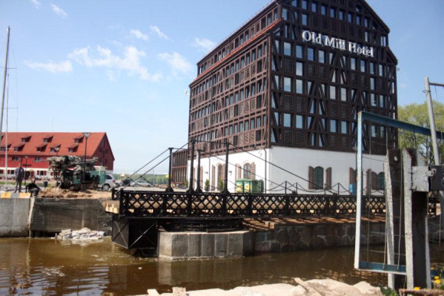 Naujoji skulptūra atsiras prie pasukamojo tiltelio.