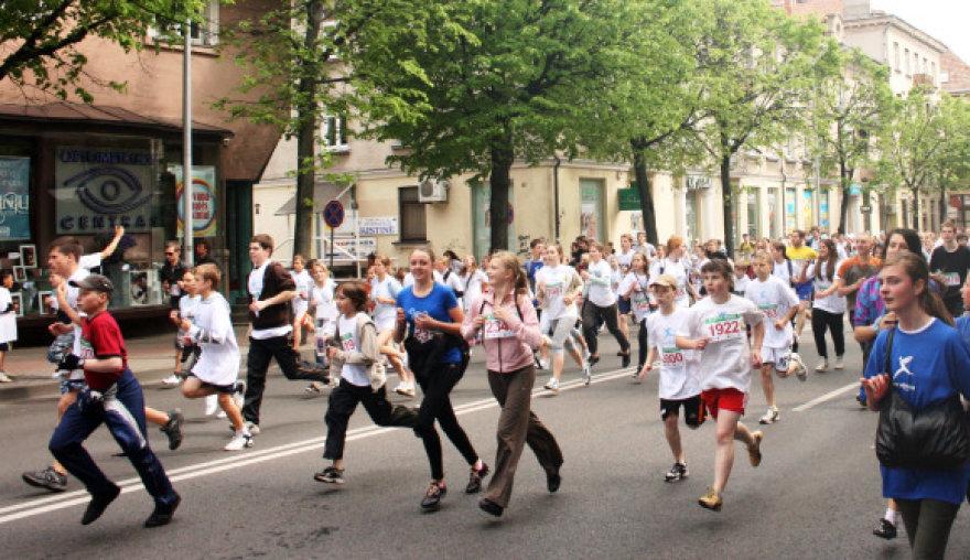 Labdaringasis bėgimas Klaipėdos gatvėmis sutraukė tūkstančius dalyvių.