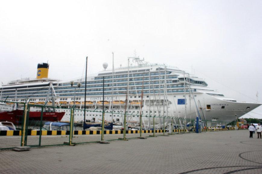 Kruizinis laivas prilygsta daugiaaukščiam namui.