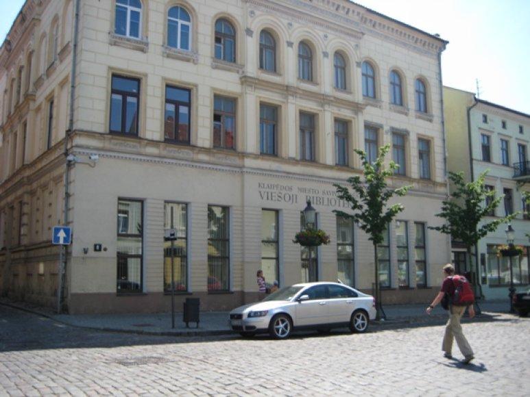 Biblioteką Turgaus gatvėje siūloma labiau pritaikyti užsienio turistų reikmėms.