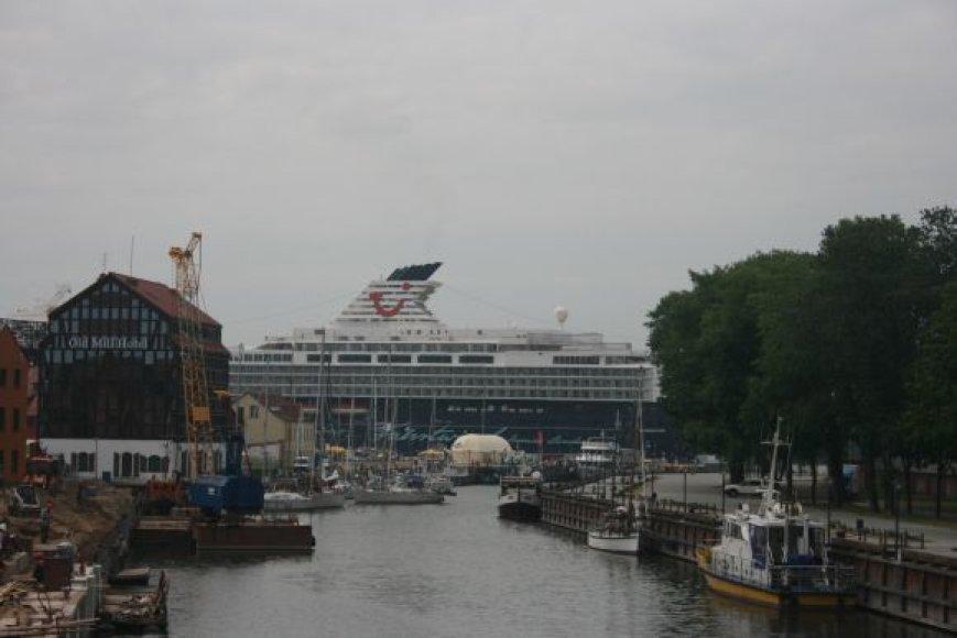 Į Klaipėdą kruizinis laivas atplukdė Vienos orkestrą.