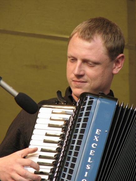 Klaipėdoje koncertuos akordeonistas Nerijus Bakula.