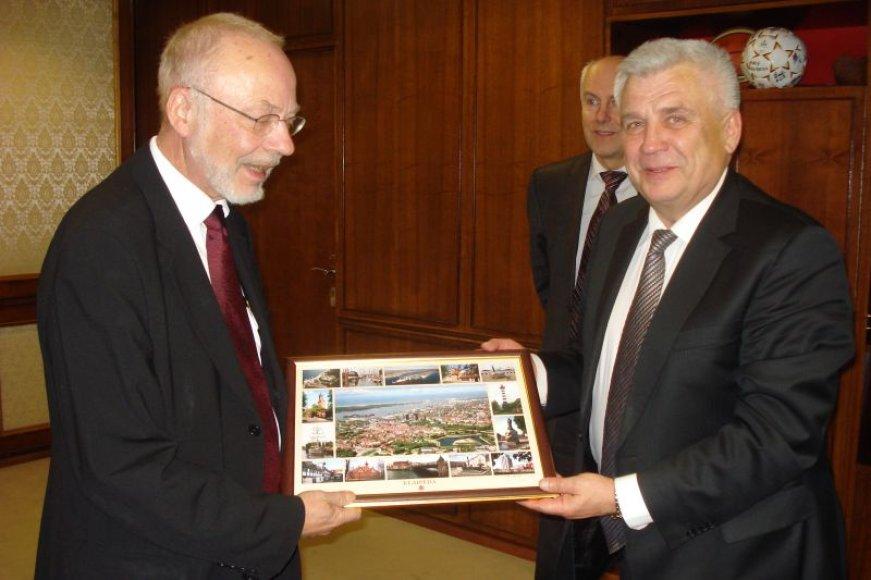 R.Taraškevičius atsisveikino su Danijos ambasadoriumi.