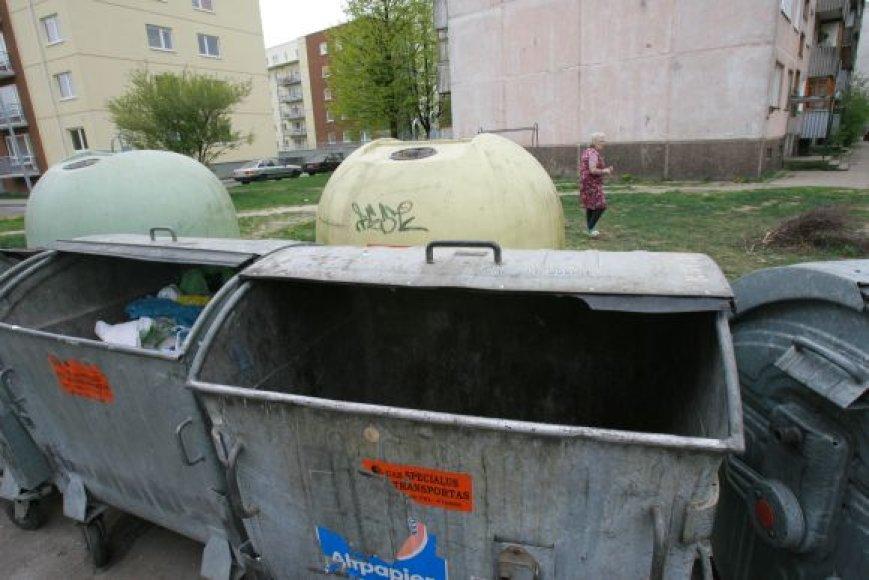 Naujagimių kūneliai 2009-ųjų gegužę buvo išmesti į konteinerį Sausio 15-osios gatvėje. Įtariamoji tuo metu buvo apsistojus gretimame name.