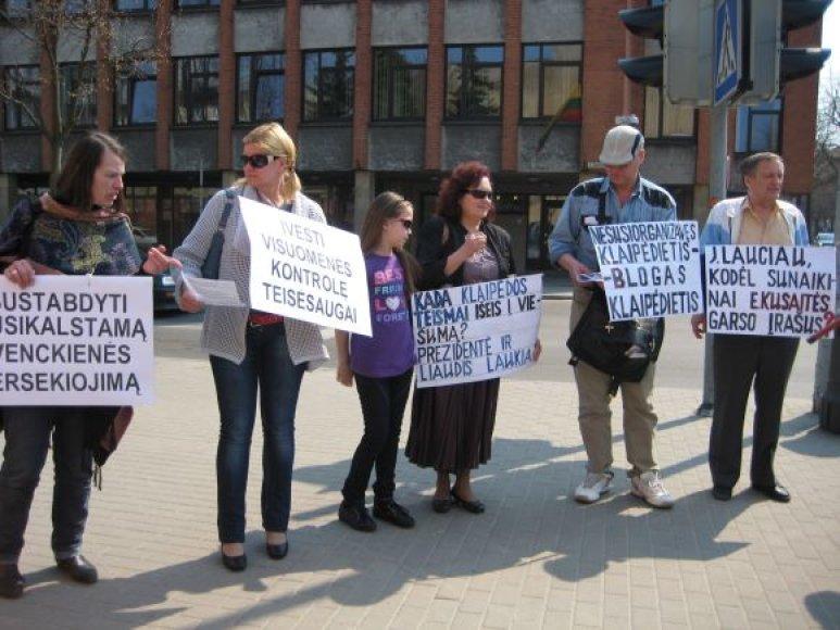 Trečiadienį Klaipėdoje surengtas piketas prieš naują teismo pirmininkę.