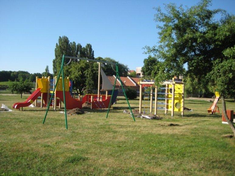 Vaikų aikštelė bus atverta po poros dienų.