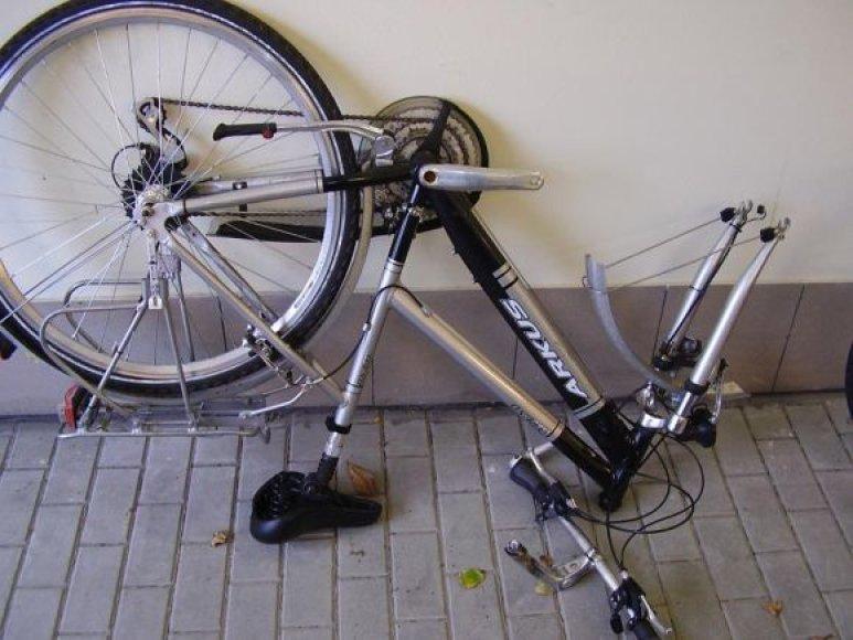 Klaipėdos uoste sulaikyti, kaip įtariama, Vokietijoje pavogti dviračiai.