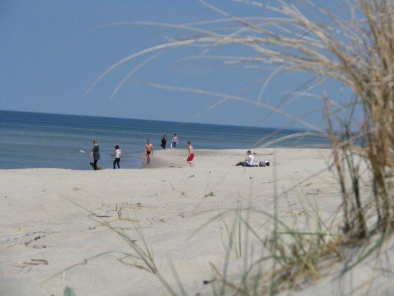 Kuršių nerijoje poilsio sezonui paruošti dar ne visi paplūdimiai.