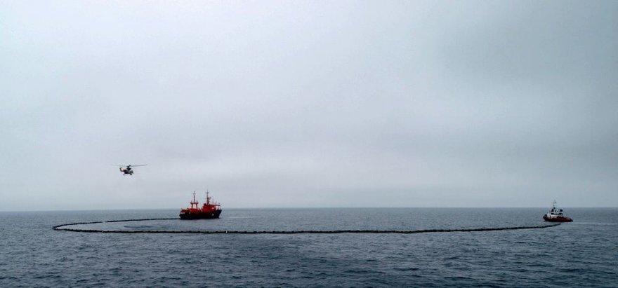 """Karinių jūrų pajėgų laivas """"Šakiai"""" dalyvaus tarptautinėse taršos likvidavimo praybozse Baltijos jūroje."""