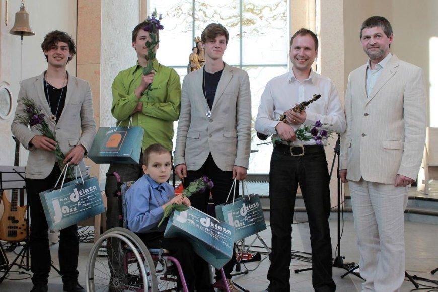 """Linas Švirinas (dešinėje) su grupe rengia koncertą naujoje kultūrinėje erdvėje Klaipėdoje – """"Menų valgykloje""""."""