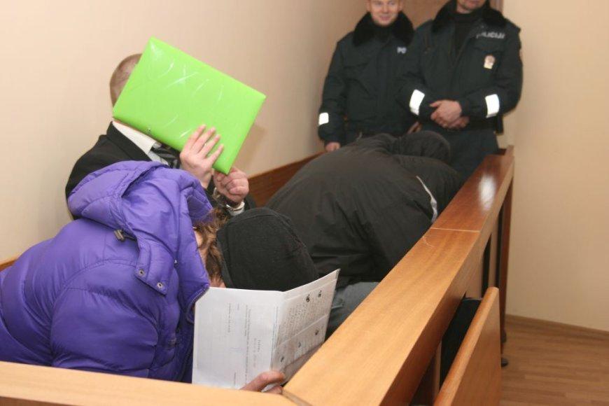 Areštinėse atsidūrusius jaunuolius prievartavę kaliniai dar negreit išeis į laisvę