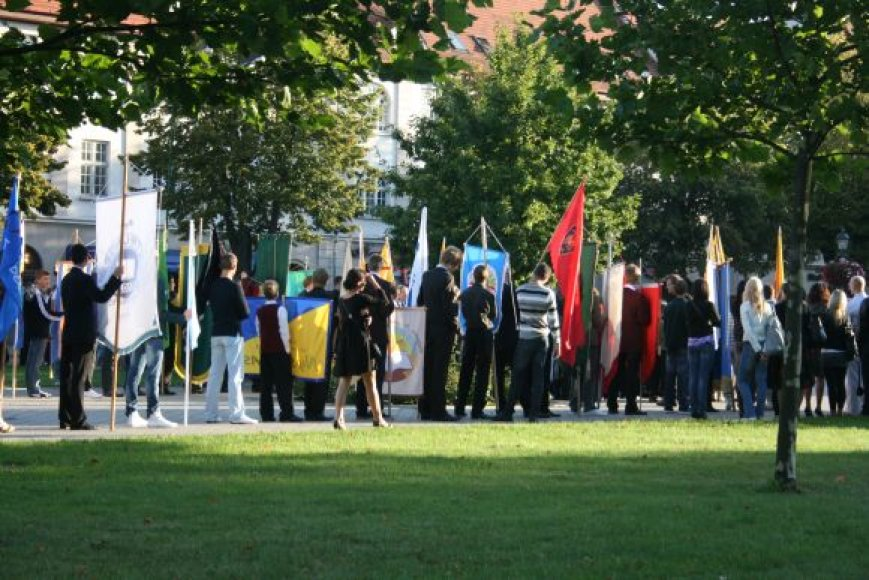 Moksleiviai rugsėjo 1-sios šventėje.
