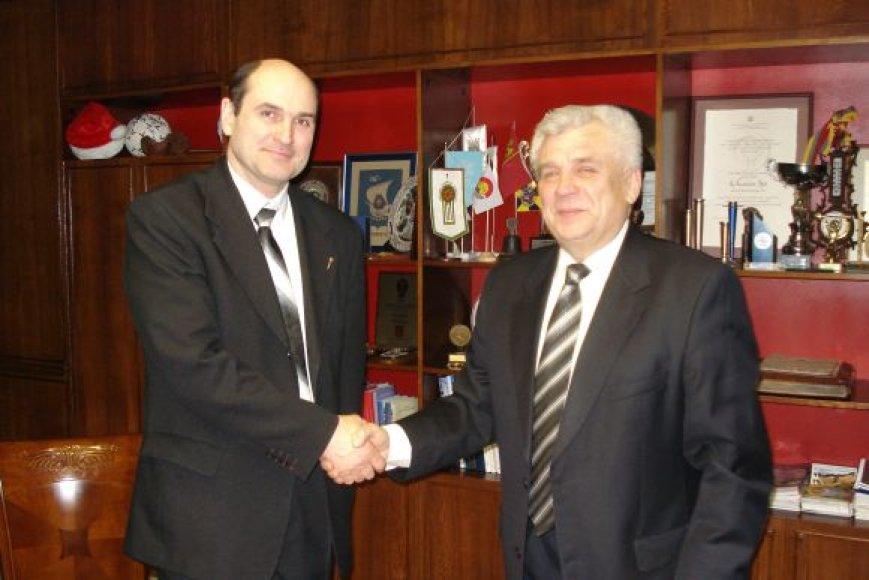 Klaipėdietis G.Navickas šiuo metu yra Airijos lietuvių bendruomenės pirmininkas.