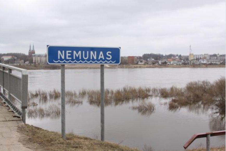 Patvinęs Nemunas.