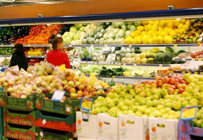 Tyrimą pradėjusi policija bando išsiaiškinti, ar laiške minimi grasinimai apnuodyti prekybos centruose parduodamus maisto produktus yra rimti.