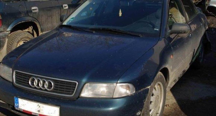 Įtariamas brakonierius nuo aplinkosaugininkų spruko tokiu automobiliu