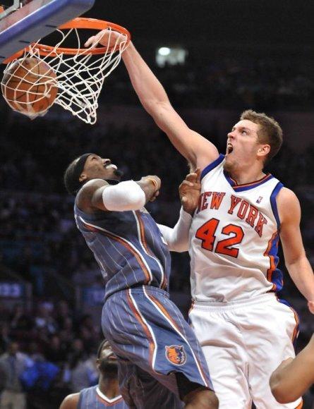 """Trečioji iš eilės """"Knicks"""" pergalė"""