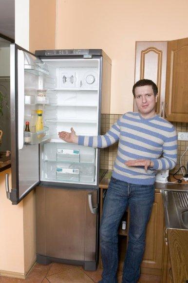 Foto naujienai: Deivydo Zvonkaus šaldytuve pasikorė pelė!