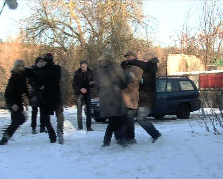 """Foto naujienai: """"Nemylimų"""" režisierių užpuolė kūrybinė serialo grupė!"""