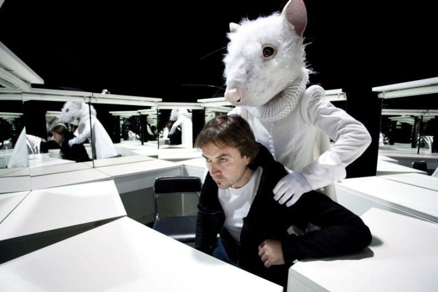 Foto naujienai: Oskaras Koršunovas: teatro ir meilės pelėkautuose