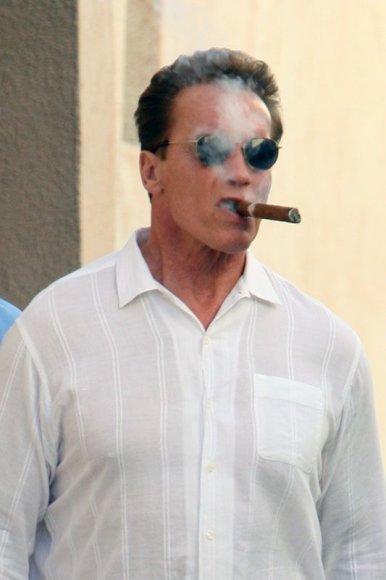 Foto naujienai: Arnoldas Schwarzeneggeris parduoda kalėjimą
