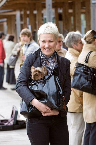 Foto naujienai: Rasa Martens: gyvas aksesuaras