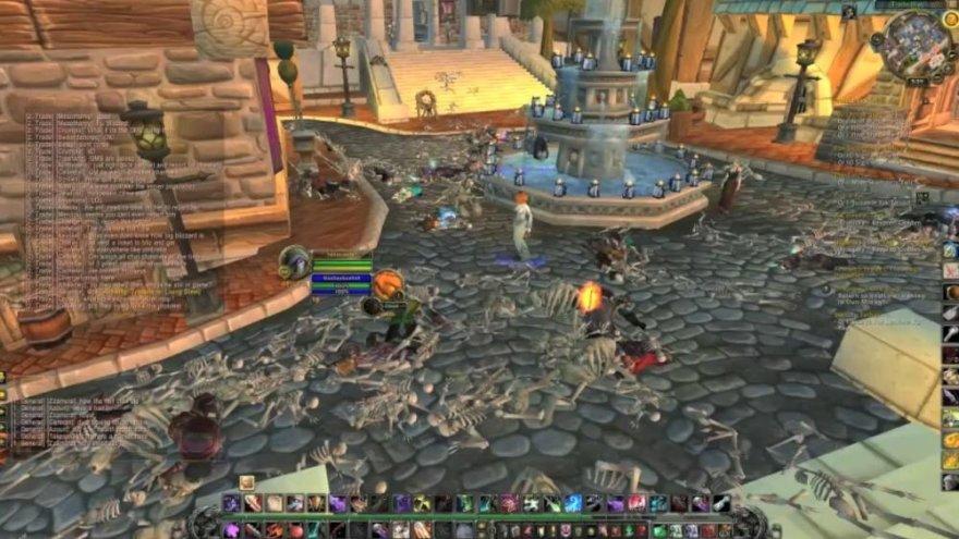"""Programišių atrasta klaida žaidime """"World of Warcraft"""" leido jiems kapinėmis paversti didžiausius žaidimo miestus."""