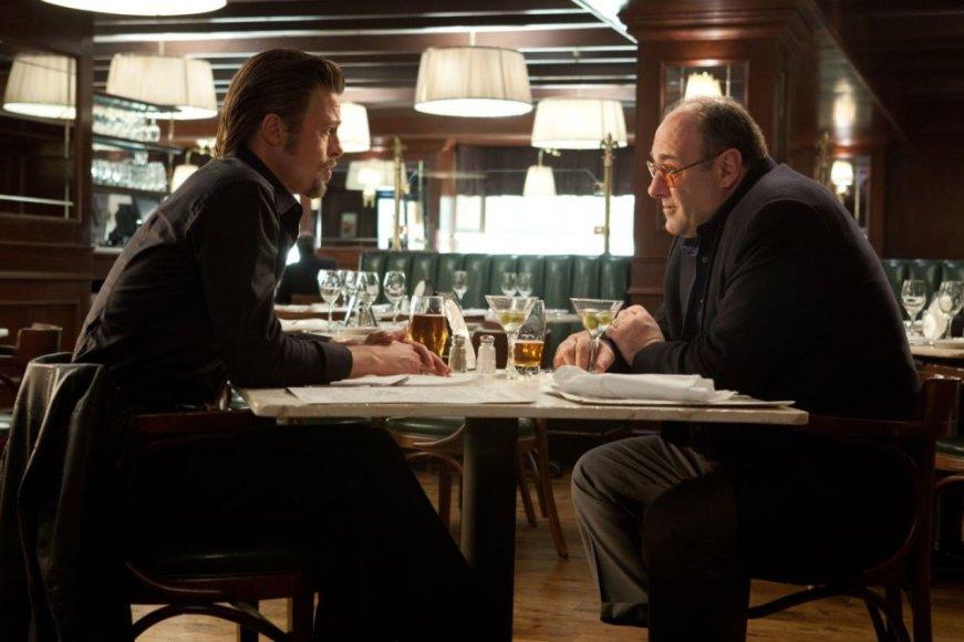 """Bradas Pittas ir Jamesas Gandolfini filme """"Kazino apiplėšimas"""""""