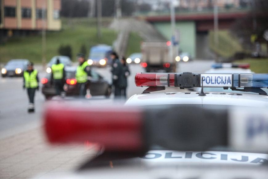 Juliaus Kalinsko / 15min nuotr./Antikorupcijos dienos proga policija surengė reidą Vilniuje