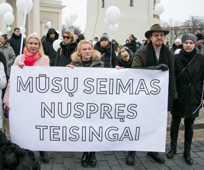 Juliaus Kalinsko / 15min nuotr./Eisenos už vaikystę be smurto akimirka