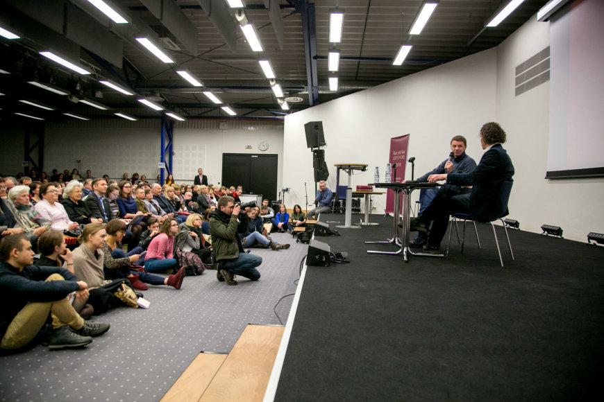 Juliaus Kalinsko / 15min nuotr./Susitikimas su Rolandu Kazlu