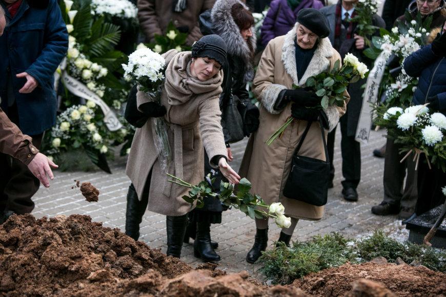 Juliaus Kalinsko / 15min nuotr./Vytauto Petro Bložės laidotuvių akimirka