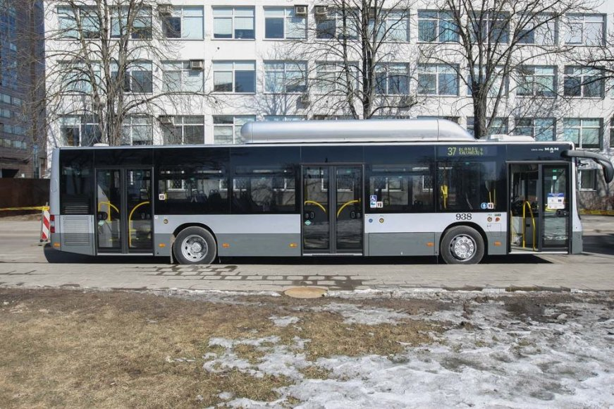 Naujieji autobusai jau važinėja sostinės gatvėmis