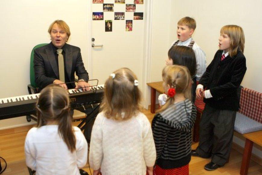 Džiazo mokyklos renginyne mokiniai savo dainomis nustebino visus susirinkusius.