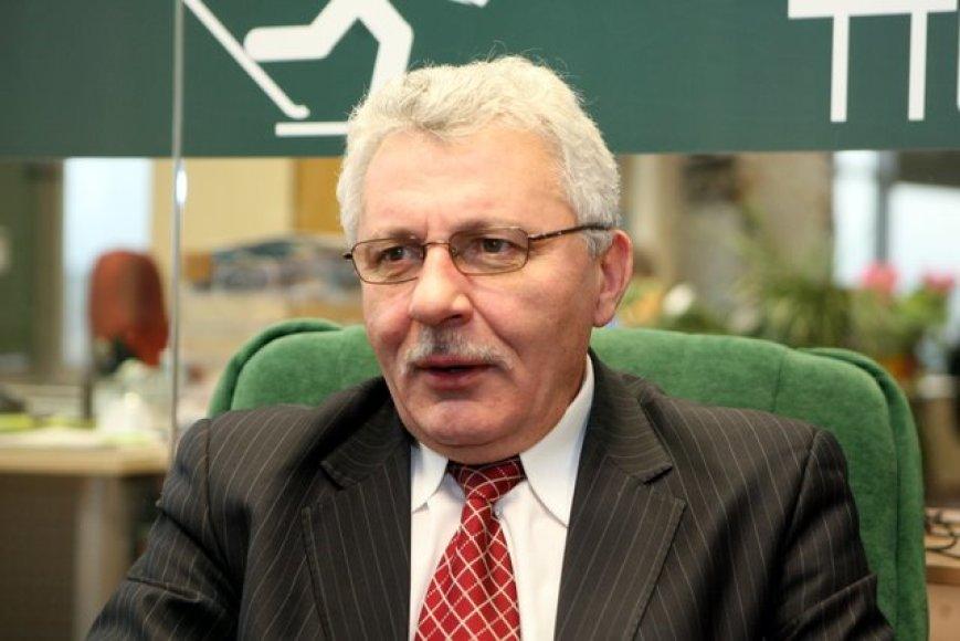 Seimo Etikos ir procedūrų komisijos pirmininkas Algimantas Salamakinas