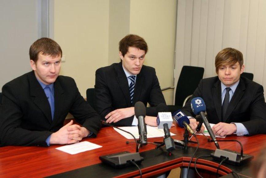 Rolandas Aliukonis, Petras Nausėda, Martynas Šlikas