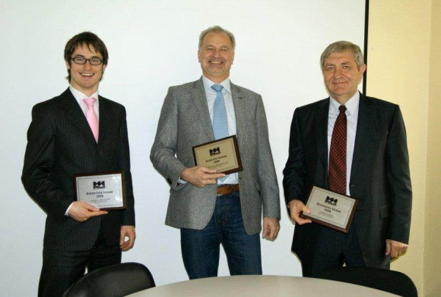 Geriausi bosai (iš kairės): Sidabrinio boso J.Judickienės atstovas, A.Abromavičius, J.Puišys