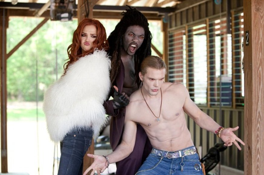 """""""Vampyrai užkniso juodai"""""""