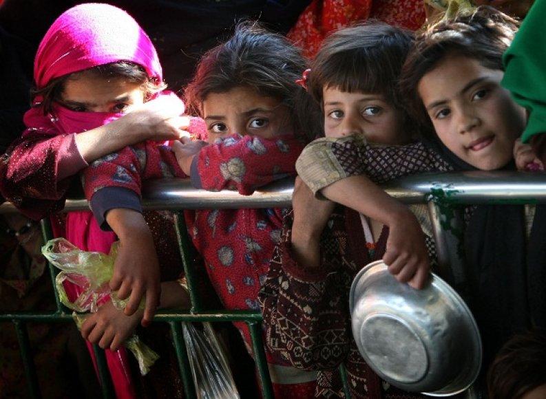 Pakistaną krečia didelį nepriteklių jaučiančių žmonių savižudybės