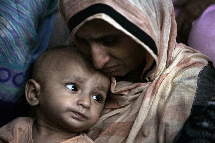 Pakistaną krečia didelį nepriteklių jaučiančių žmonių savižudybės.