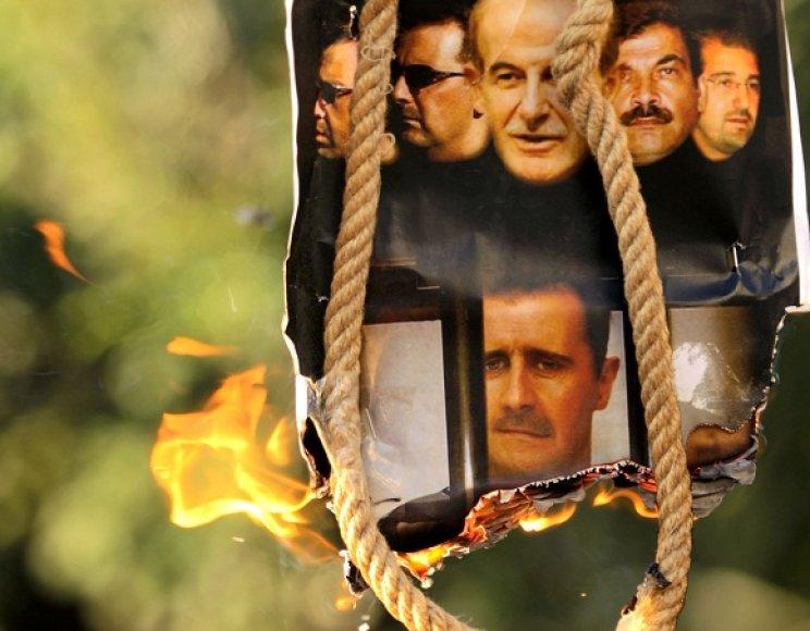 Sirijos piliečiai siekia išsivaduoti iš represyvaus, šalį valdančio B.al-Assado režimo