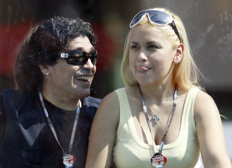 Diego Maradona ir ilgametė draugė Veronica Ojeda