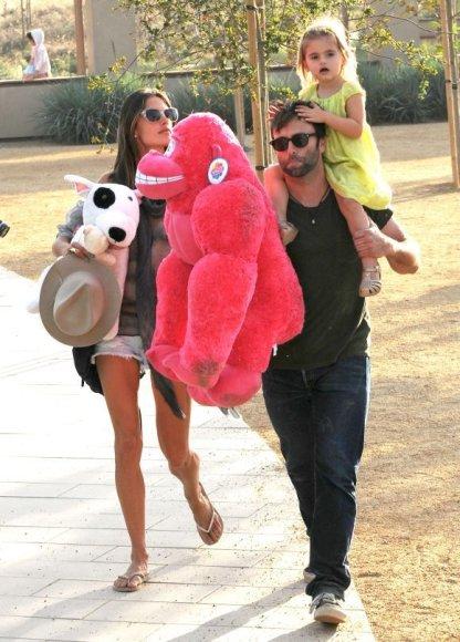 Alessandra Ambrosio ir jos vyras Jamie