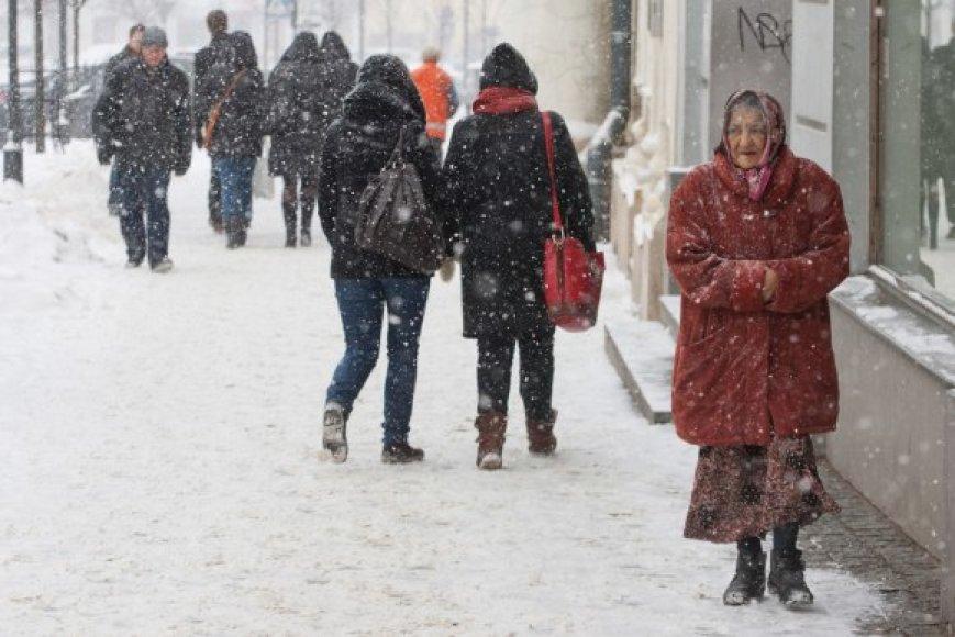 Atėjusi žiema grasina šalčiais.