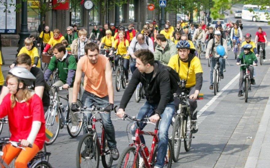 """Žygyje """"Savu dviračiu į Europą"""" dalyvavo per 300 dviratininkų."""