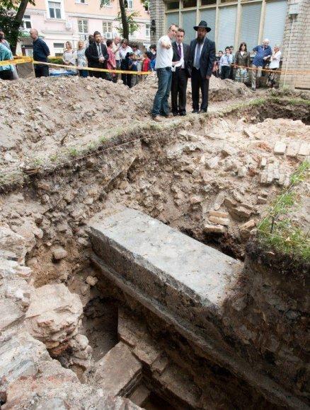 Kasinėjant Didžiosios sinagogos teritoriją archeologai aptiko ne vieną unikalų radinį.