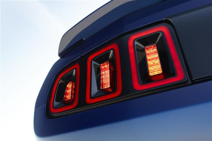 """Ford Mustang"" LED žibintai"