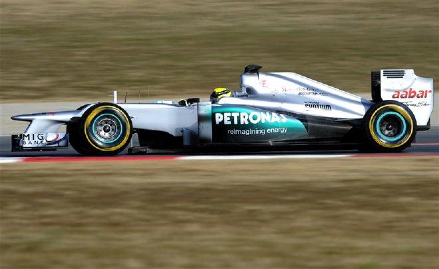 """Antroji """"Formulės-1"""" bolidų bandymų sesija Barselonoje"""
