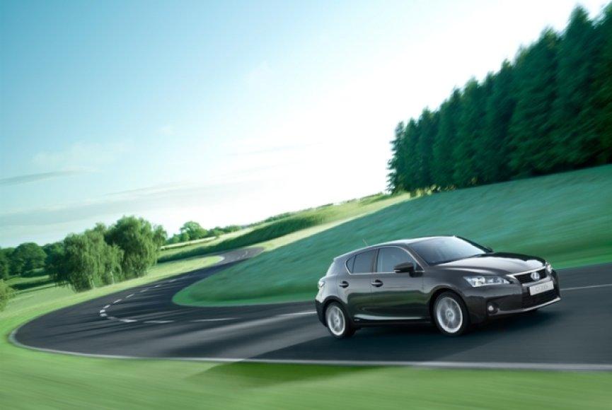 """Mažiausias """"Lexus CT200h"""" bus draugiškas aplinkai"""
