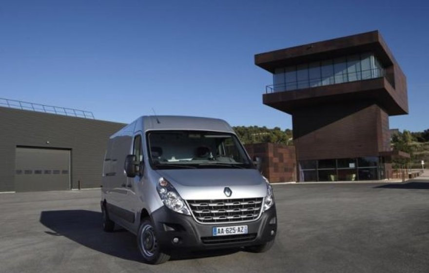 """Renault New Master"""